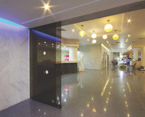 entrance reception lobby smartline hotel