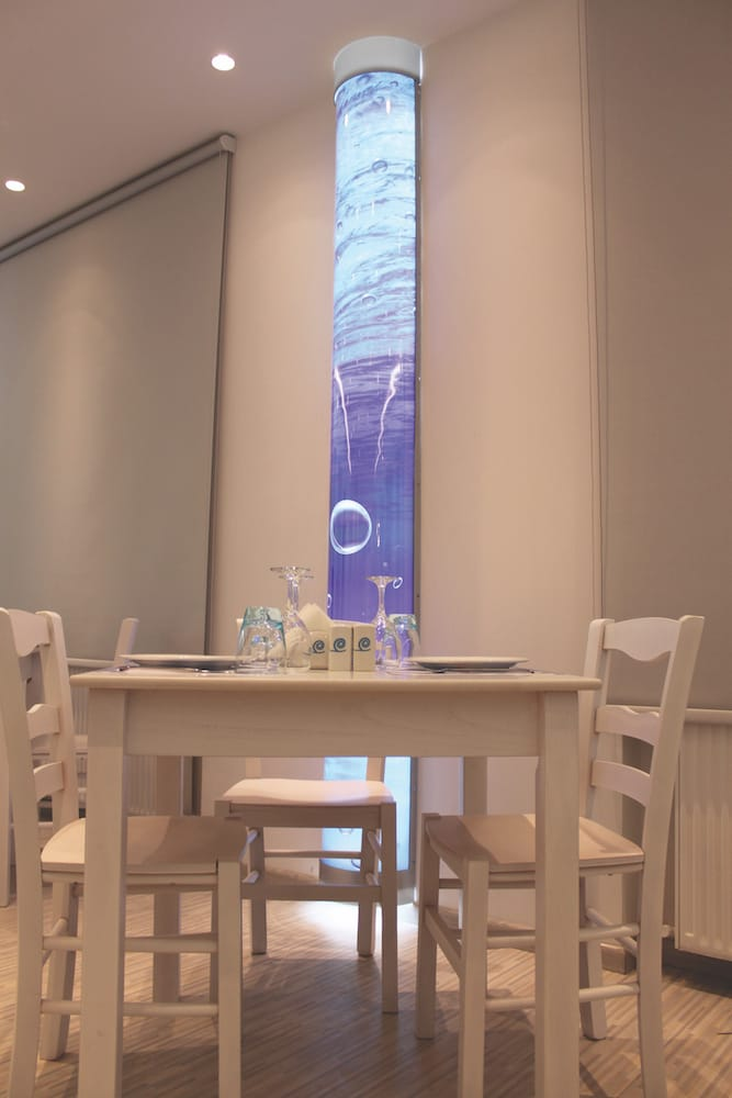 tet a tet dinner sea restaurant
