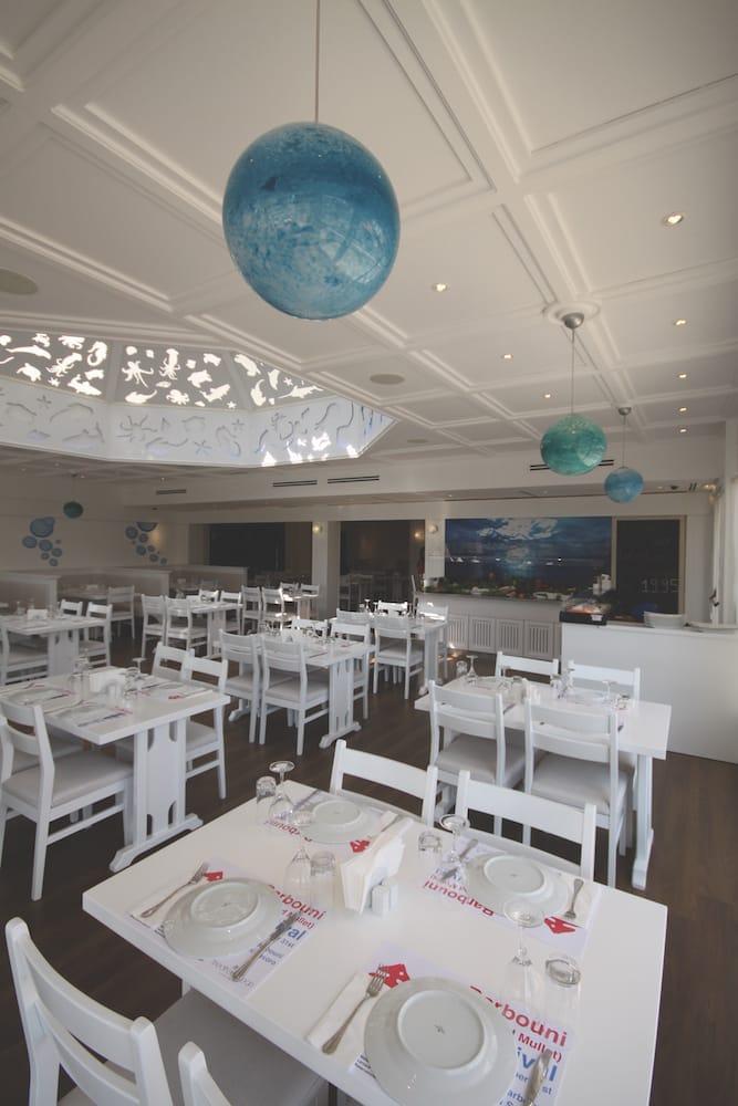 interior design fish restaurant