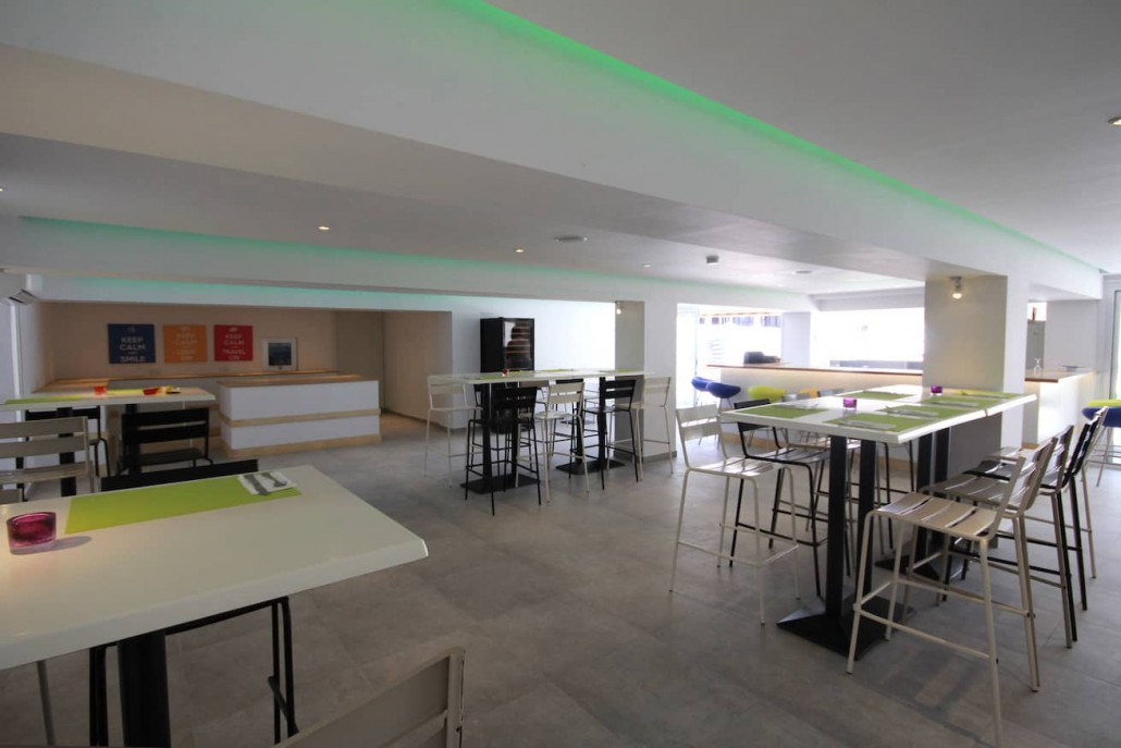 buffet-reataurant-hotel-interior