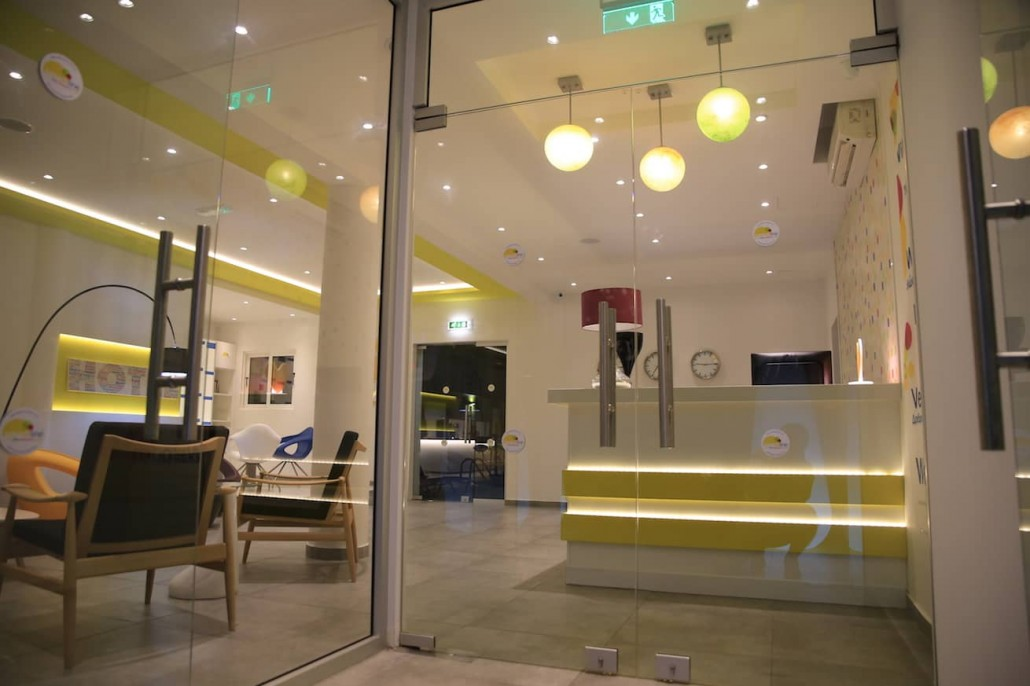reception-lobby-hotel-nightime