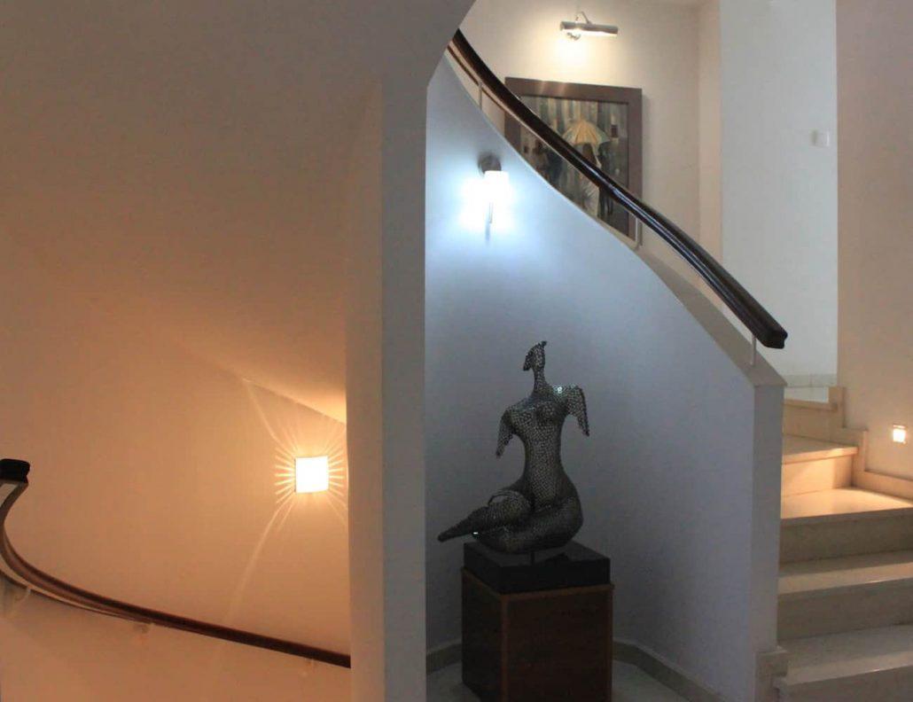 lobby & starecase