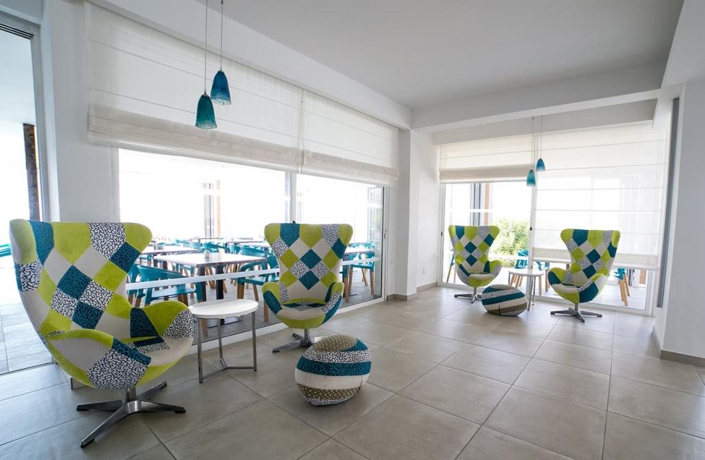 hotel-lobby-interior-dayttime