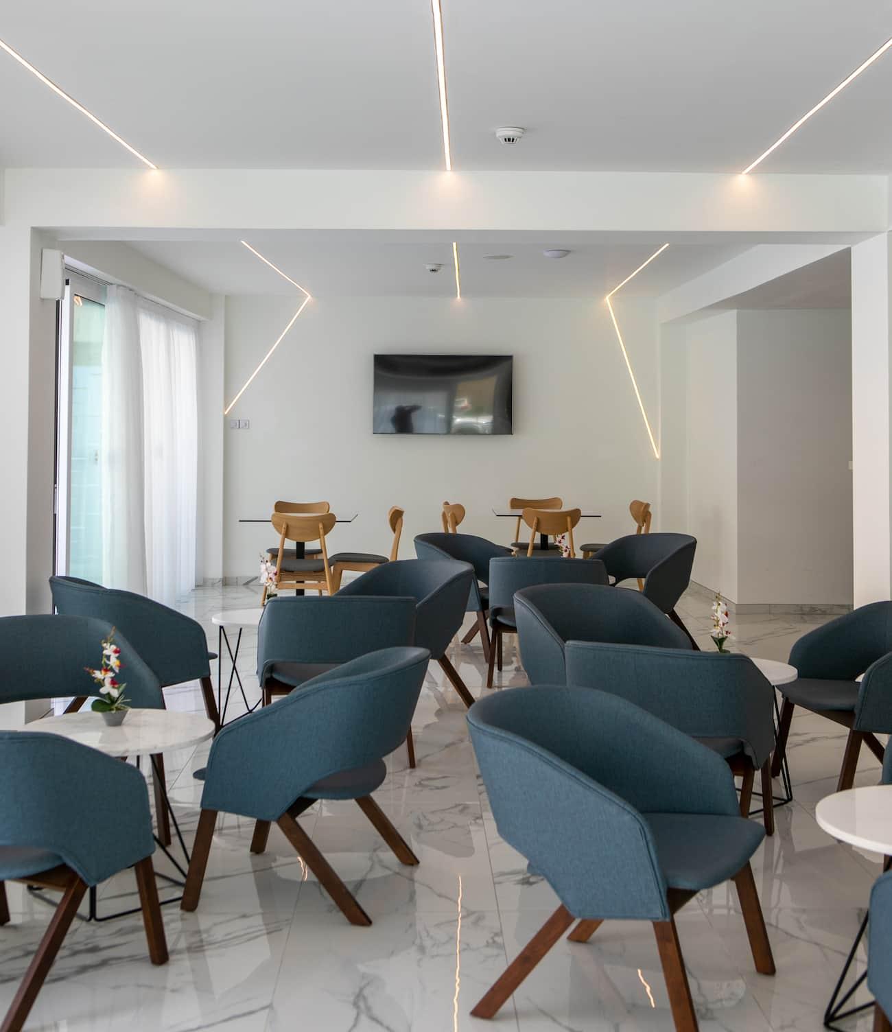 Hotel - renovation - lobby and pool bar